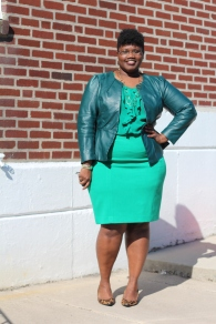 curvy women, curvy, curvy girls, eloquii, emerald green, plus size skirts, pencil skirts, kohls, faux leather, plus size leather jackets, gap, monochromatic, leopard print, nine west