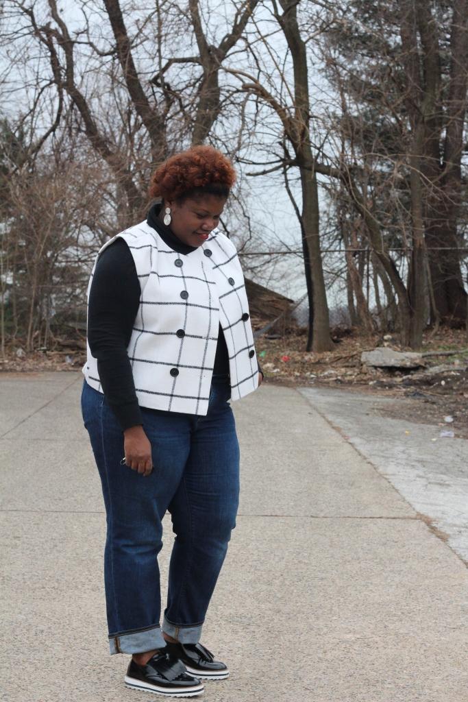 vest, grid print, black & white, plus size jeans, plus size fashion, winter fashion, sleeveless vests, natural hair, jeans, lands end jeans, old navy, platform shoes, zara shoes, brogues, plus size blogs, plus size bloggers, curvy woman, curvy women, curvy girls, curvy blogs, curvy bloggers