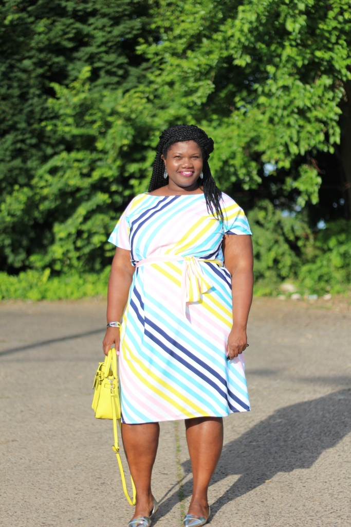 plus size, plus size clothing, plus size dresses, stripes, summer dresses, multi color stripe dresses, plus size bloggers, plus size blogs, curvy blogs, curvy bloggers, silver flat shoes, mini bags, kohls, kohls x reed, stipes, natural hair, grown and curvy woman, grown and curvy,