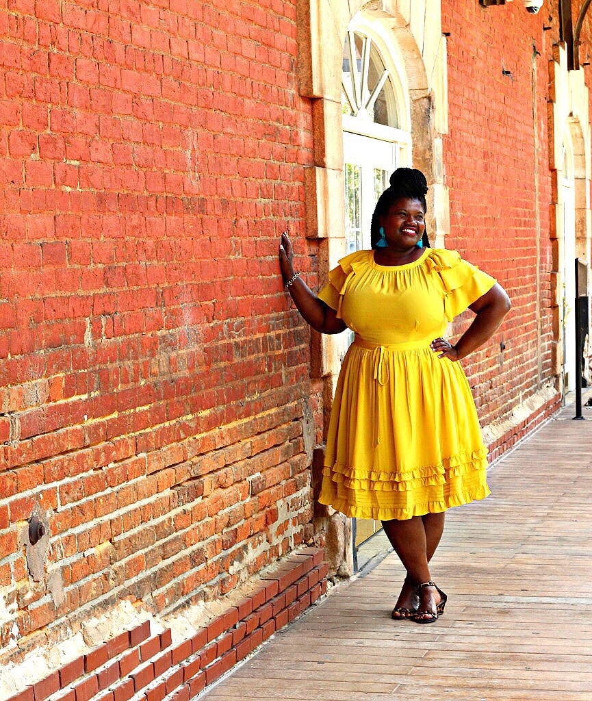 curvy women, curvy girls, curvy blogger, curvy bloggers, curvy blogs, plus size blog, plus size bloggers, plus size blogs, cropped pants, plus size pants, off the shoulder tops, mini bags, kohls, ASOS, eloquii, plus size dresses, plus size midi skirts, gingham, old navy, nordstrom, jibri, animal print, maxi dresses, stripes, eshakti, natural hair, crochet braids, leopard print wedges, eloquii dresses,