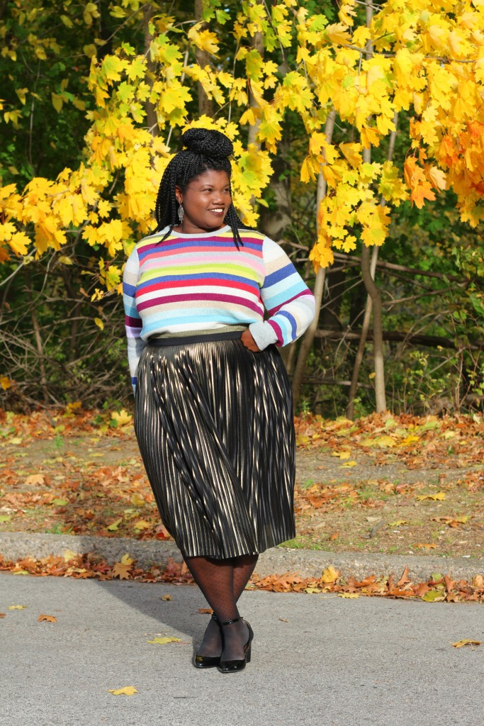 plus size fashion, midi skirt, stripe sweater, gap sweater, plus size skirts, metallic skirt, gold pleated skirt, lane bryant skirt, pleated skirt, plus size bloggers, plus size blogs, curvy, curvy blog, curvy blogger, fashion blog, fashion blogger, thanksgiving outfit, what to wear for thanksgiving