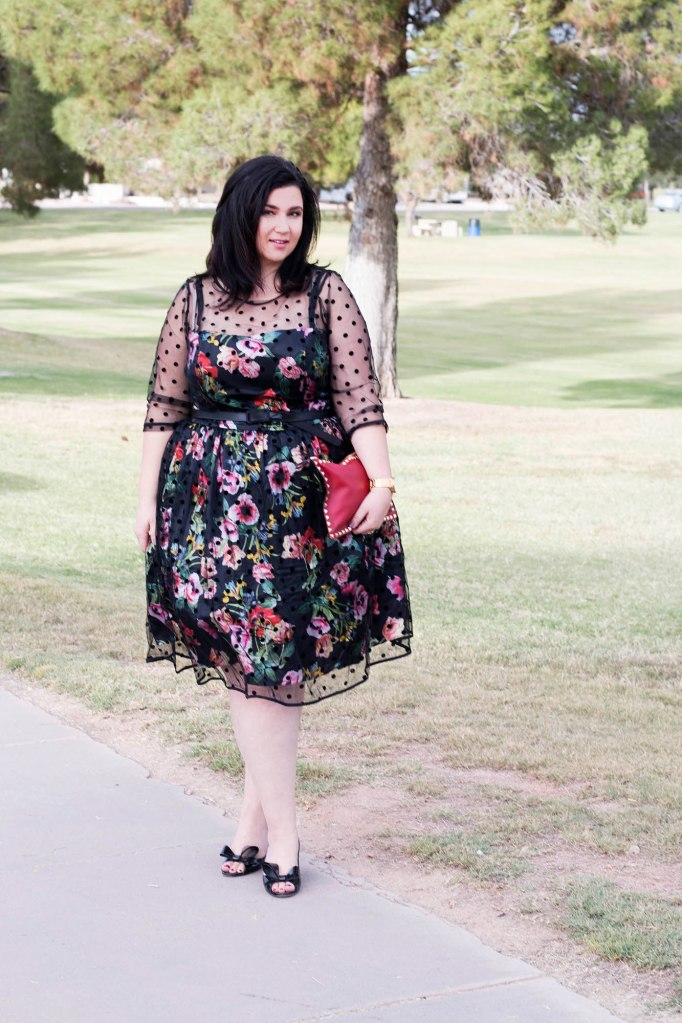 plus size fashion, plus size bloggers, holiday fashion, plus size dresses, plus size skirts, plus size midi skirts, eloquii, simply be, lace dresses, lace midi dress, lace midi dresses, dresses for curvy women, dresses for plus size women, plus size bloggers, plus size blogs, curvy women, curvy girls, curvy blogs, curvy bloggers, sheer dresses, sheer midi dresses, city chic